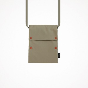 공장 two button book pouch cross - oatmeal